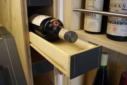 Arcari arredamenti cantina di vini in casa for Cantine arredo