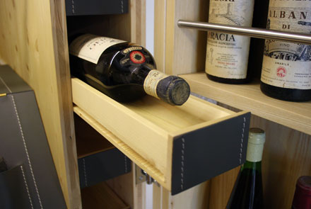 Arcari arredamenti mobili per vino for Arredamento cantina vino